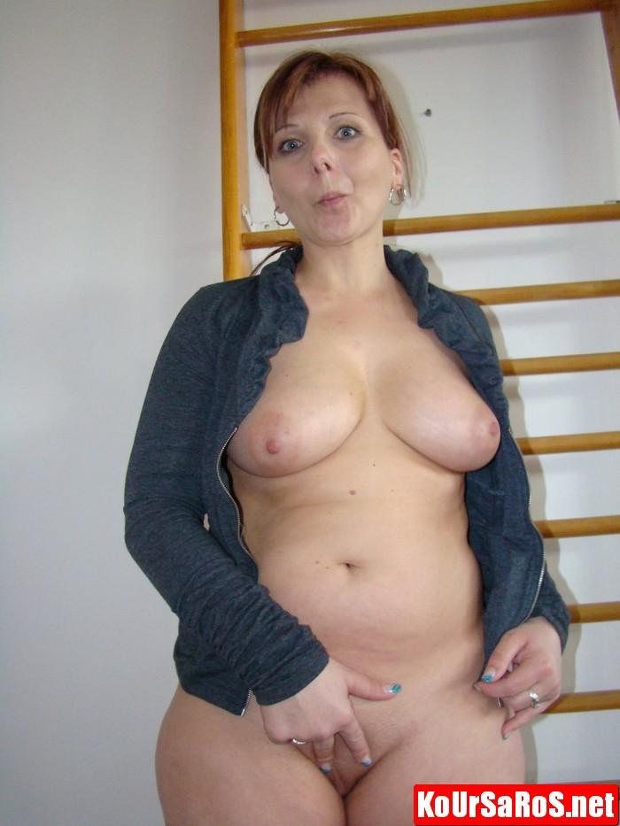 Ισπανίδα Milf με καυτή κωλάρα και μεγάλα βυζιά! 11