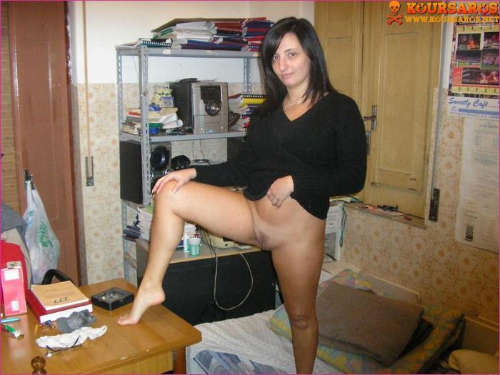 ona-spala-kollega-pokazal-snimki-zheni-baluemsya-porno