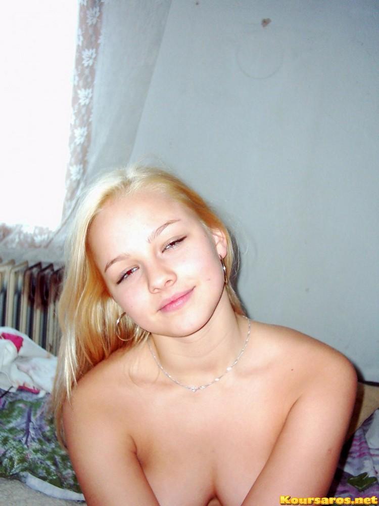 Πορνό κορίτσι πιπίλισμα κόκορας