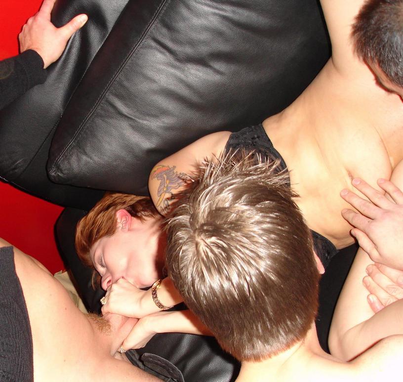 Φιλικά ζευγάρια Swingers, ξέρουν πως να μη βαριούνται! 44