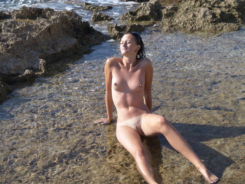 Πολωνέζα τσουλίτσα, ποζάρει και γαμιέται Χειμώνα - Καλοκαίρι! 33