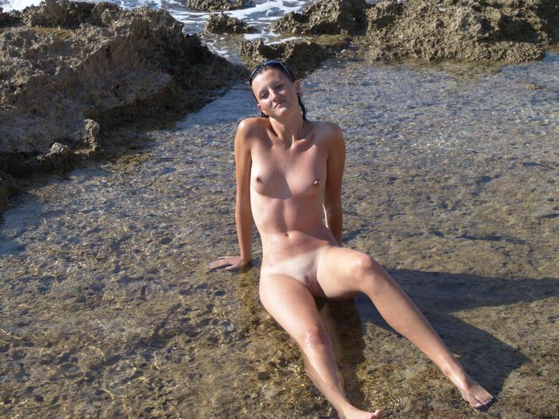 Πολωνέζα τσουλίτσα, ποζάρει και γαμιέται Χειμώνα - Καλοκαίρι! 34