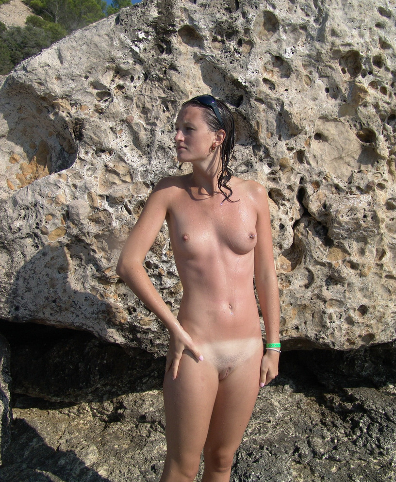 Πολωνέζα τσουλίτσα, ποζάρει και γαμιέται Χειμώνα - Καλοκαίρι! 45
