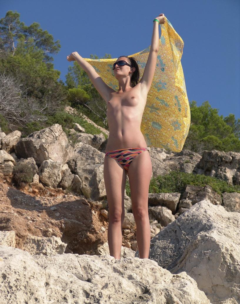 Πολωνέζα τσουλίτσα, ποζάρει και γαμιέται Χειμώνα - Καλοκαίρι! 47