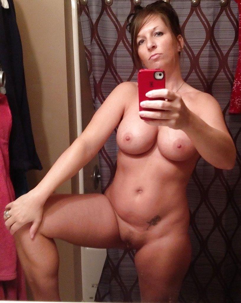 Milfs self pics nude — photo 2