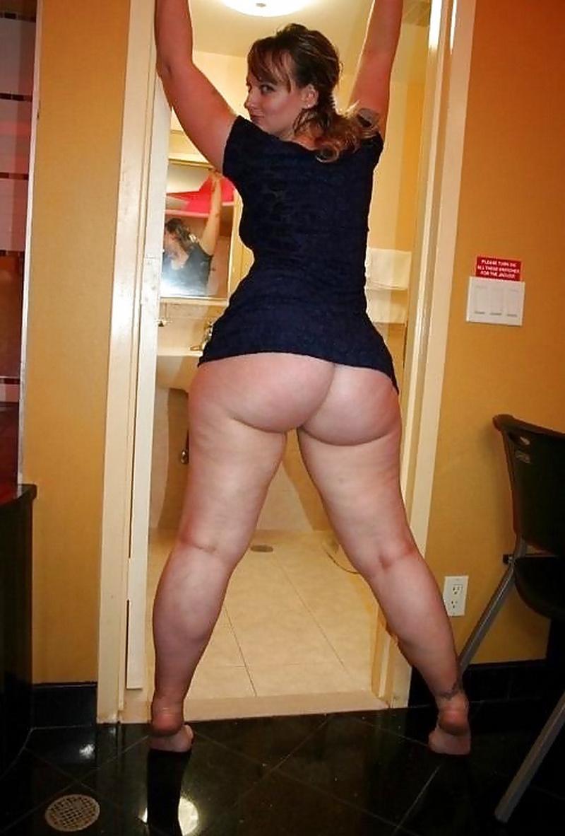 Огромные зады зрелых мамочек, анальный секс фото группового анала