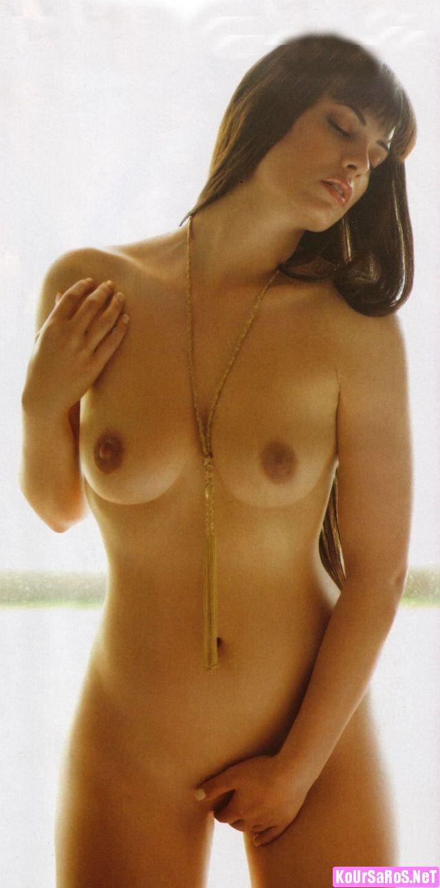 μαύρο τριχωτό μουνί με γυμνές