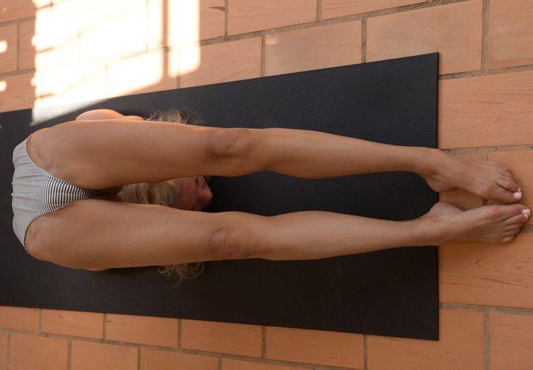 Yoga Flocke Nude & Sexy 211