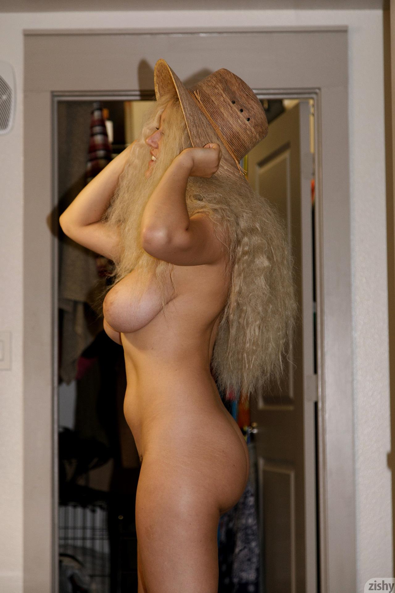 Sabrina Nichole Wigging Out Zishy (13)