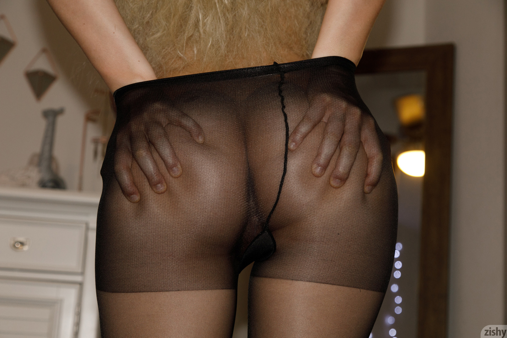 Sabrina Nichole Wigging Out Zishy (22)