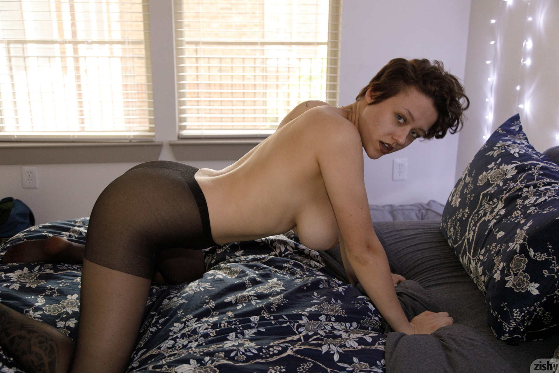 Sabrina Nichole Wigging Out Zishy (44)