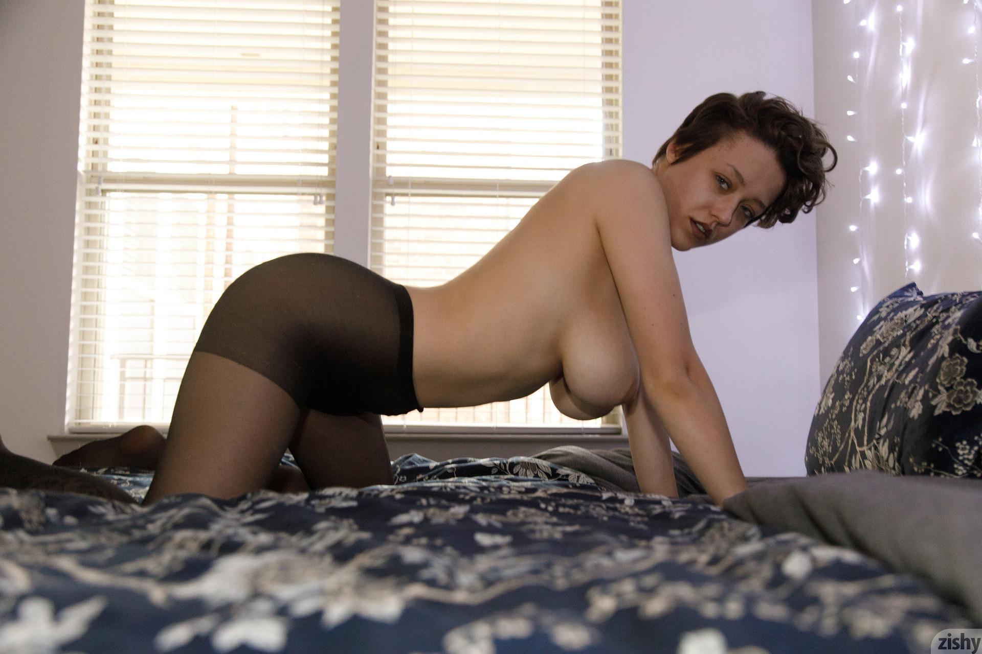 Sabrina Nichole Wigging Out Zishy (45)