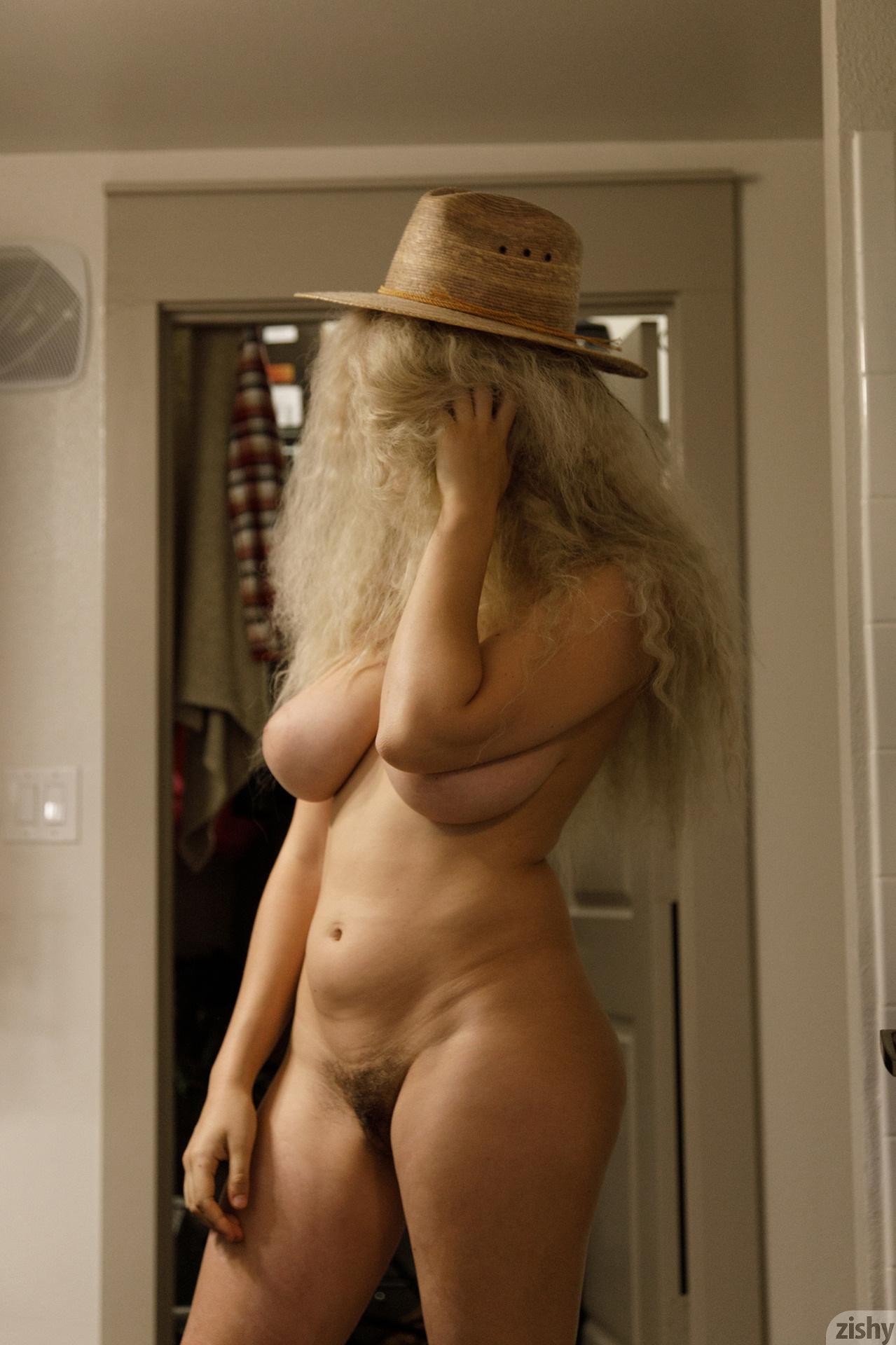 Sabrina Nichole Wigging Out Zishy (7)