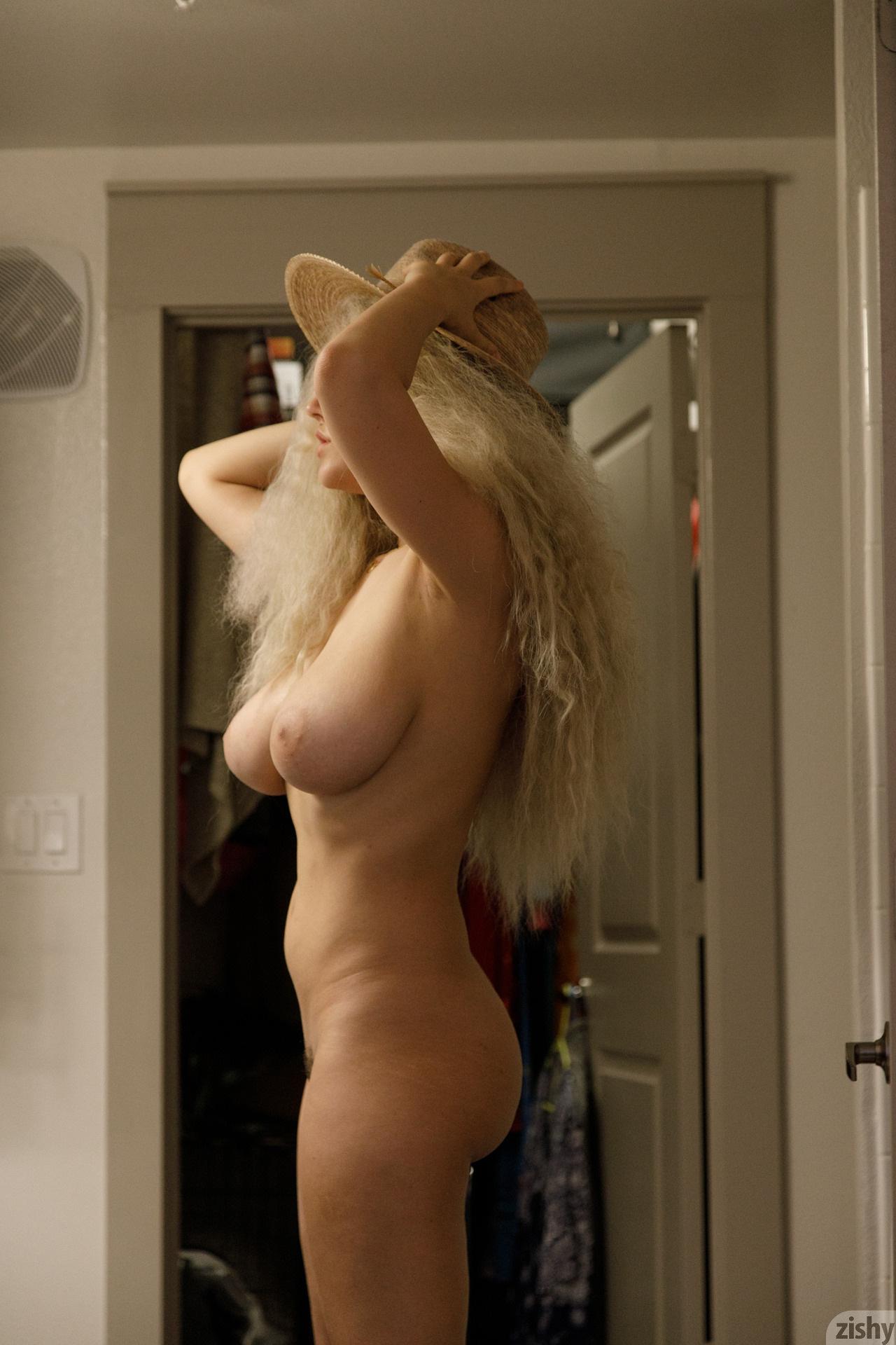 Sabrina Nichole Wigging Out Zishy (10)