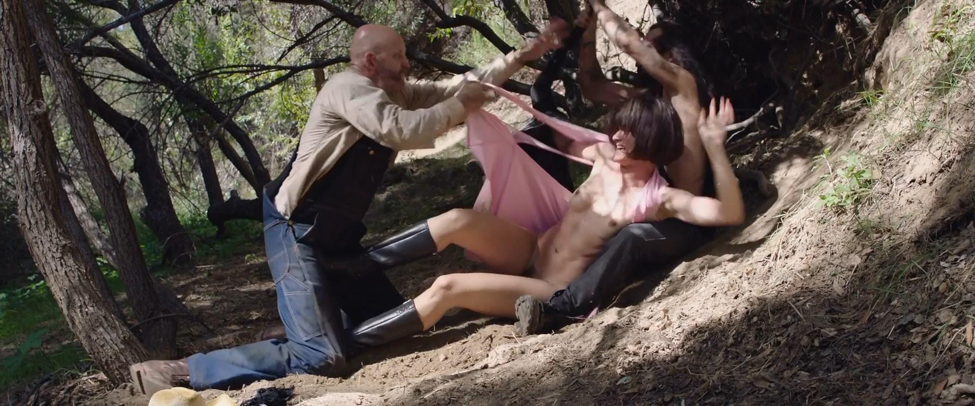 Jamie Bernadette Nude – I Spit On Your Grave Deja Vu 005