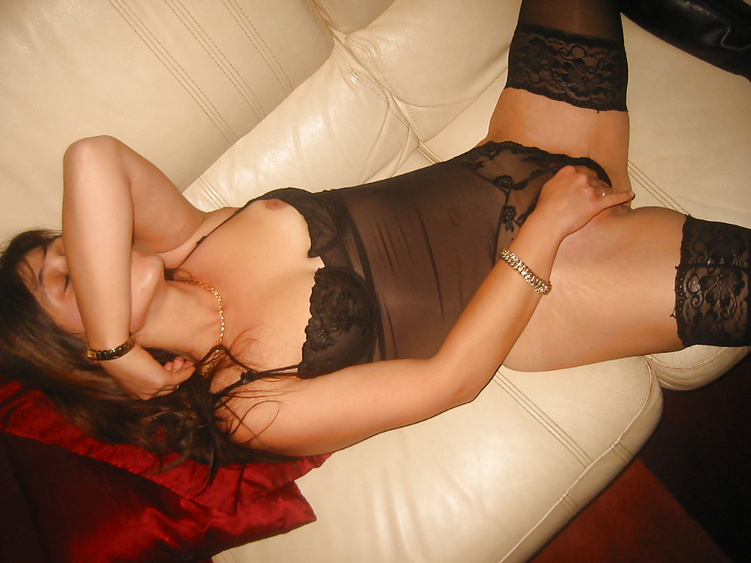 Koursaros Net Brunette Milf (17)