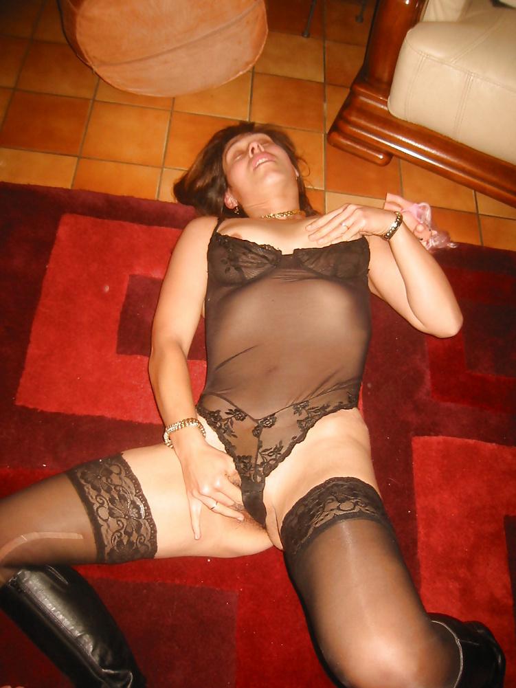 Koursaros Net Brunette Milf (19)