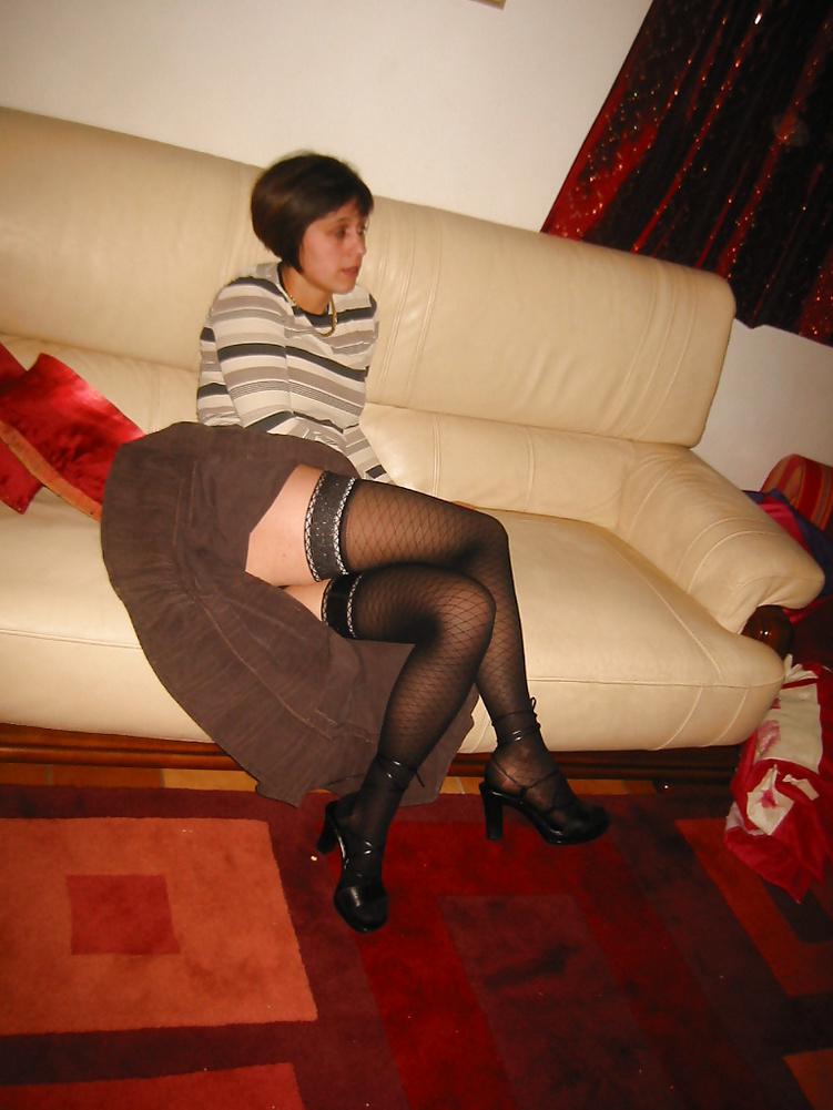 Koursaros Net Brunette Milf (2)