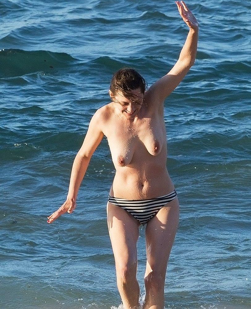 Marion Cotillard Nude 0051