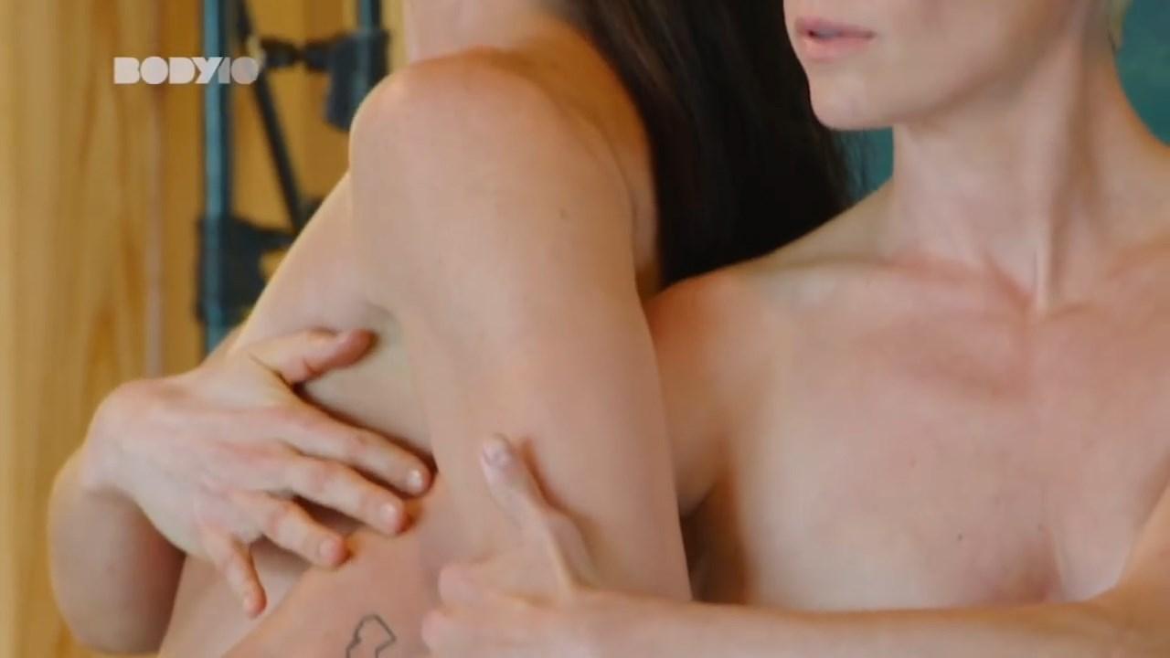 Sue Bird, Megan Rapinoe Nude 0032