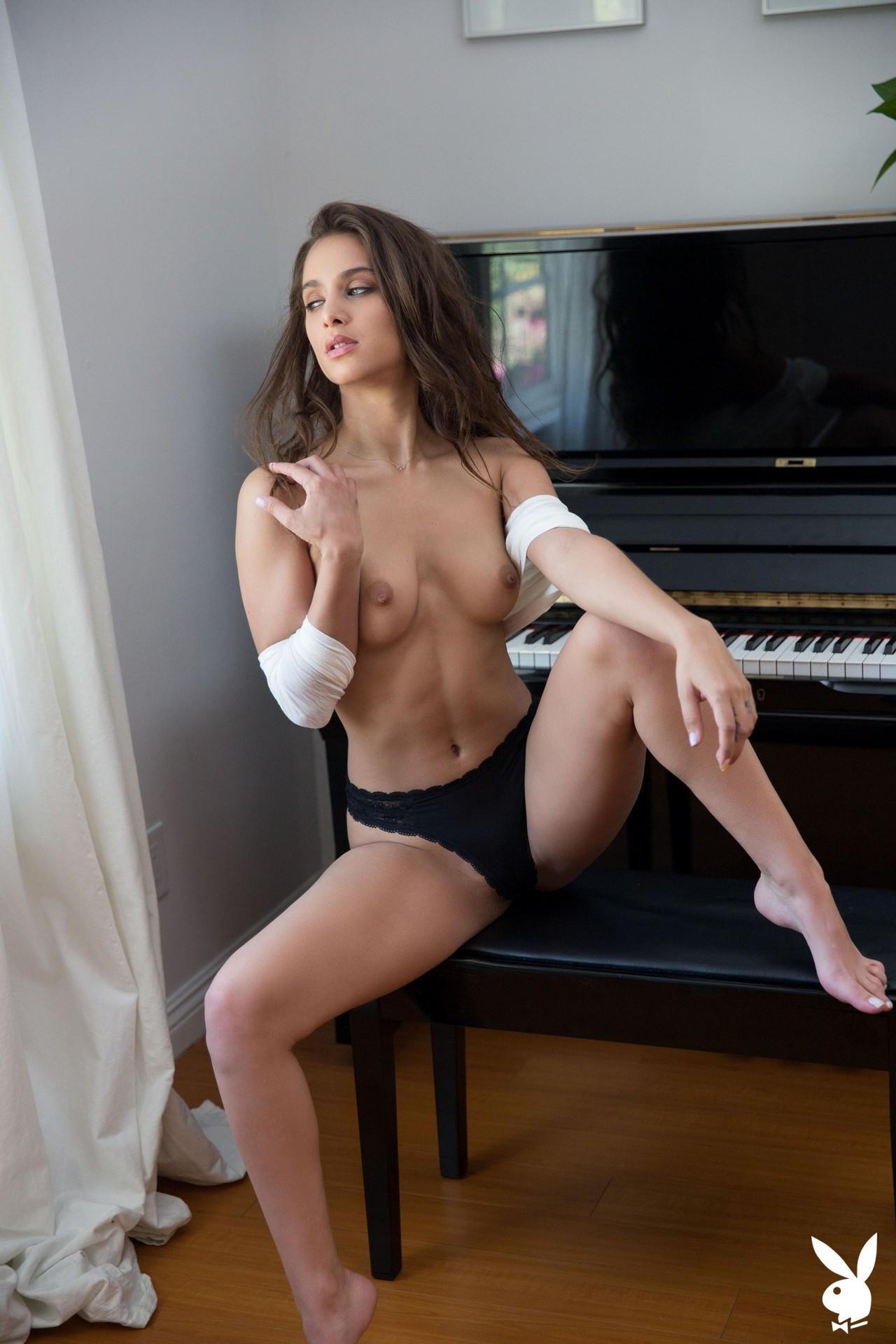 Uma Jolie In Soulful Expression Playboy Plus (15)