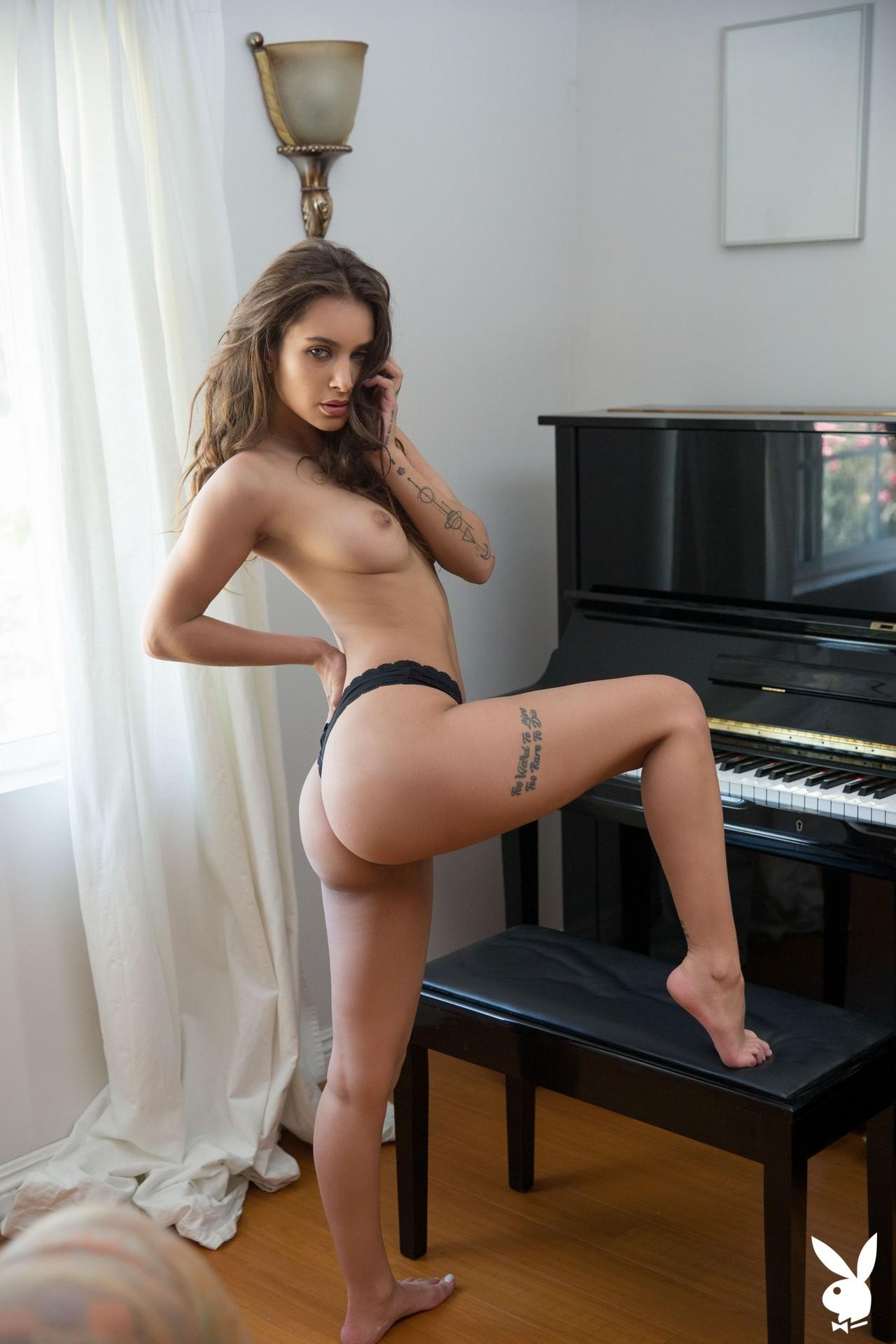Uma Jolie In Soulful Expression Playboy Plus (19)