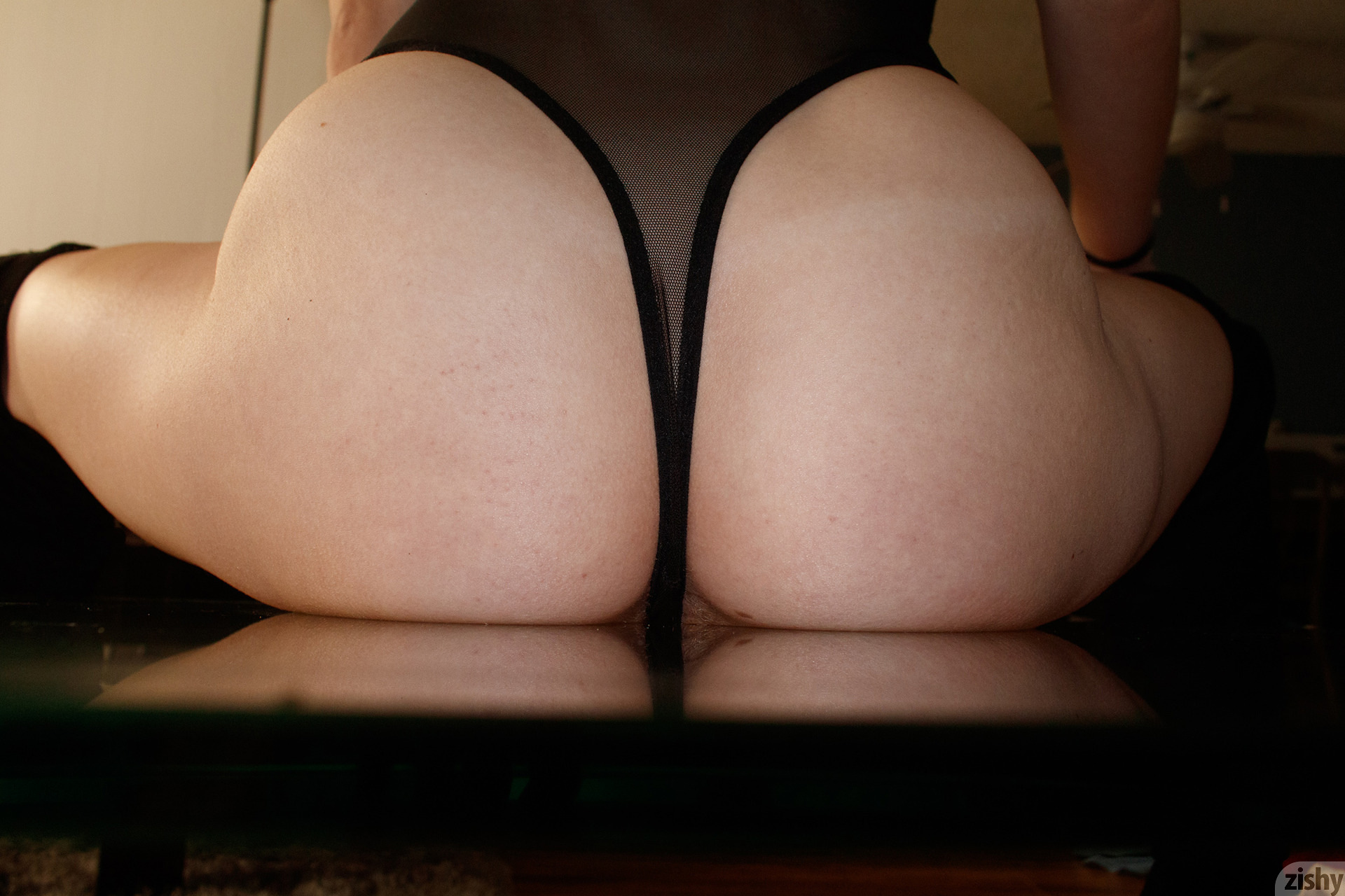Giana Van Patten Black Coke Mirror Zishy (30)