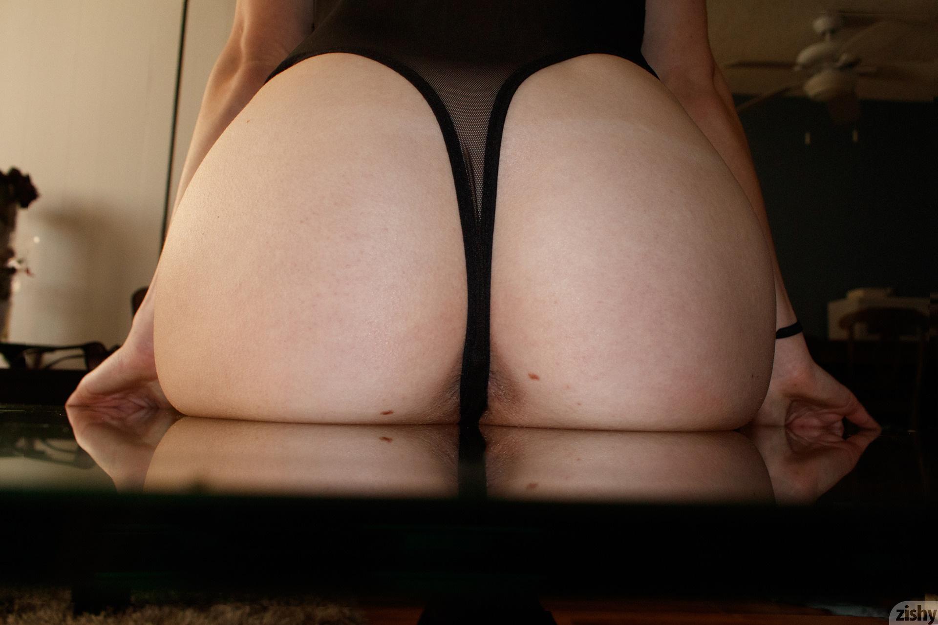 Giana Van Patten Black Coke Mirror Zishy (31)