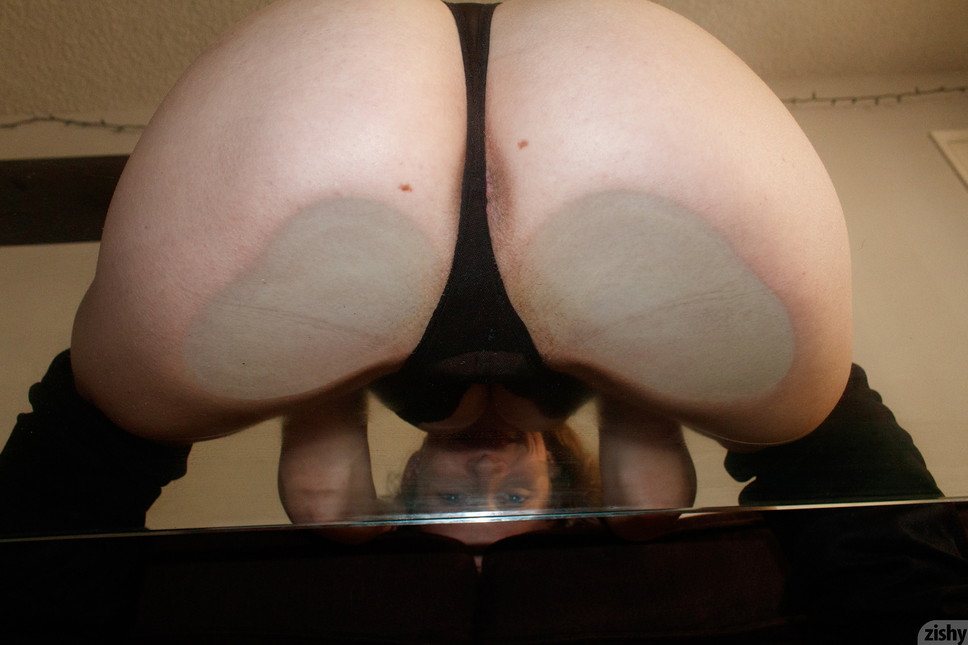Giana Van Patten Black Coke Mirror Zishy (38)