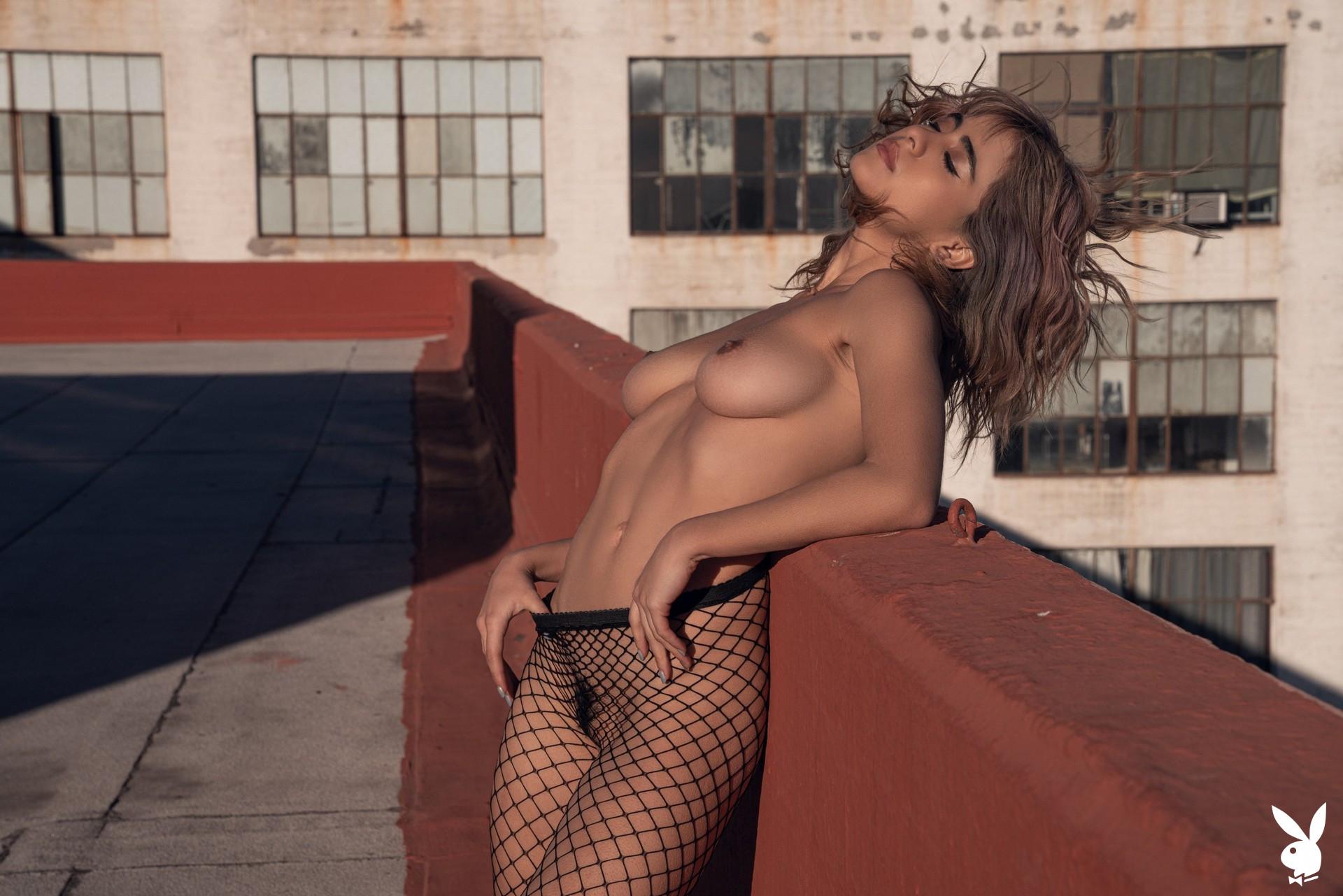 Mia Valentine In High Rise Playboy Plus (21)