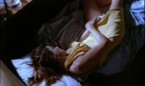 Όλες οι καυτές, σεξ, σκηνές, με την Καρυοφυλλιά Καραμπέτη, από την ταινία Ελεύθερη Κατάδυση
