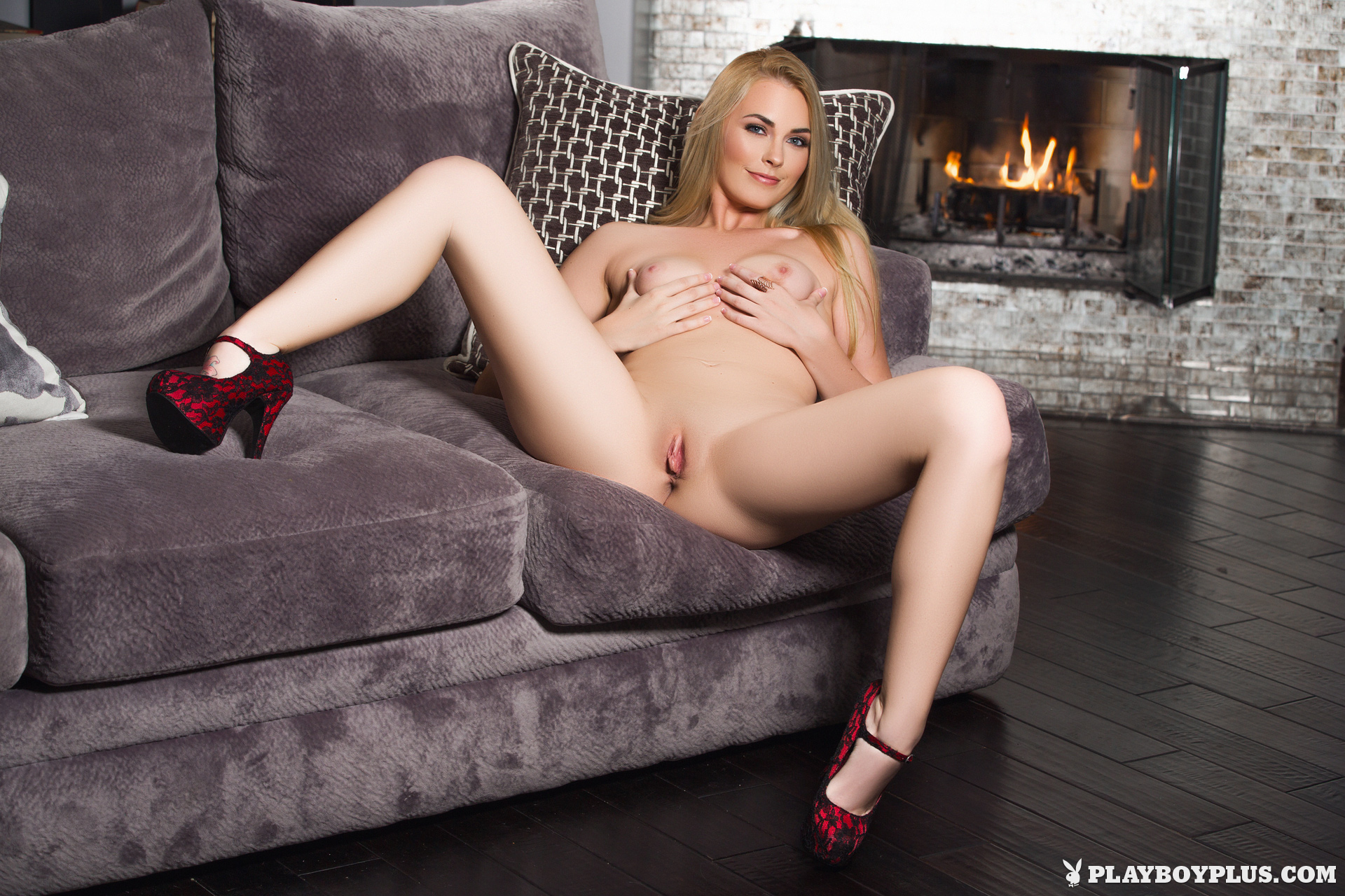 Bailey Rayne Is In The Mood (20)