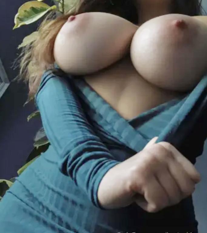 Louisa Khovanski Nude Onlyfans Leaked 0003