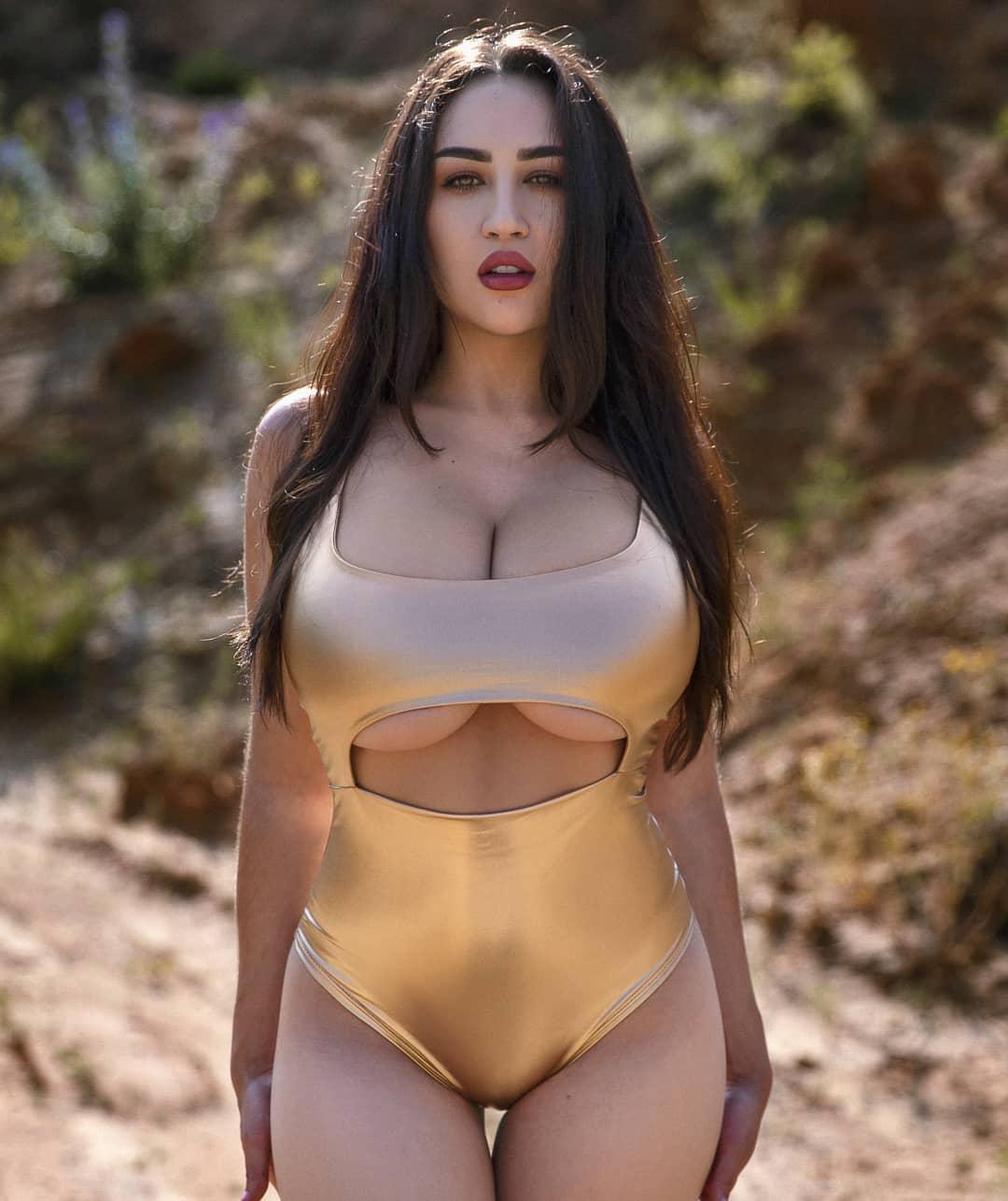 Louisa Khovanski Nude Onlyfans Leaked 0022