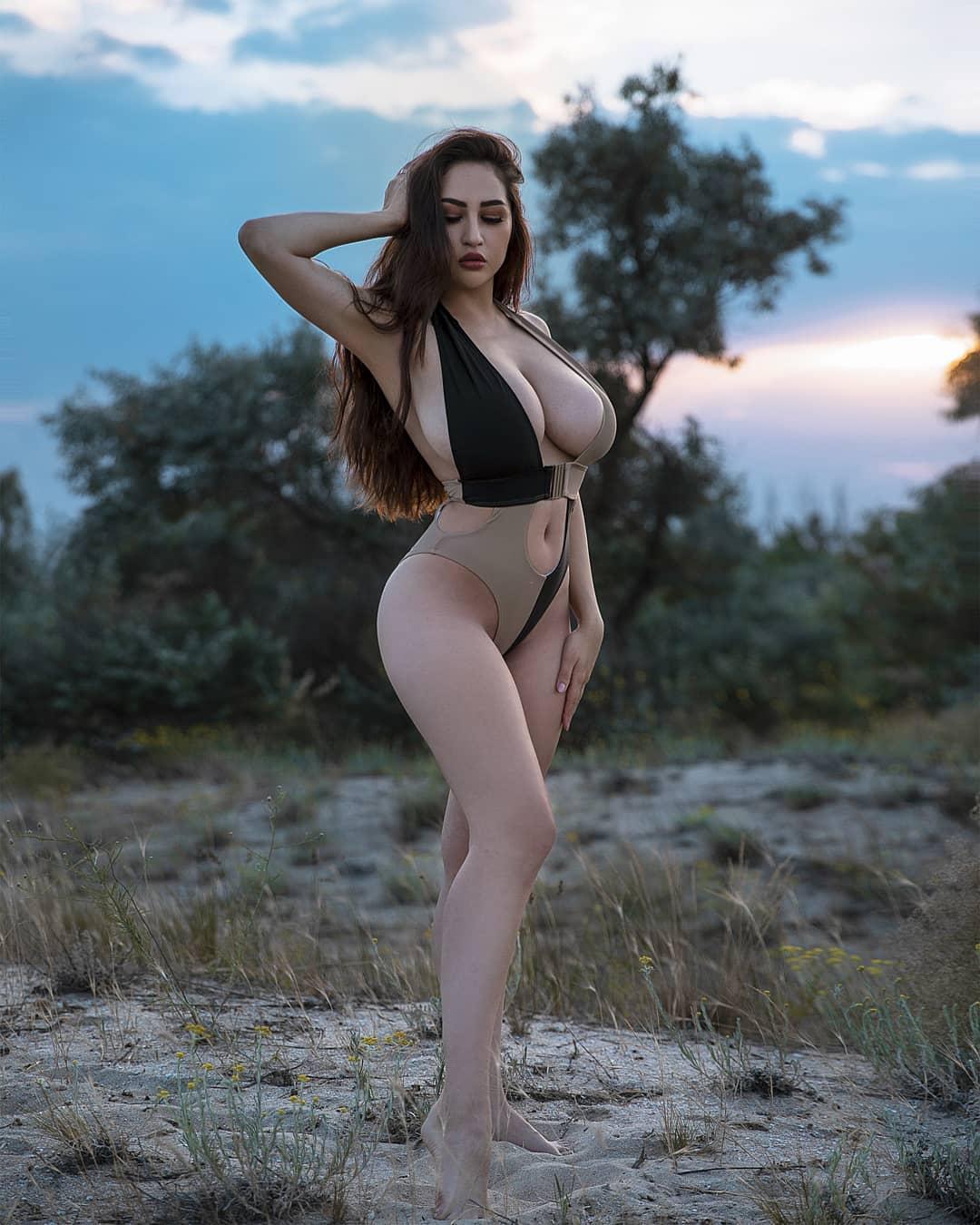 Louisa Khovanski Nude Onlyfans Leaked 0031