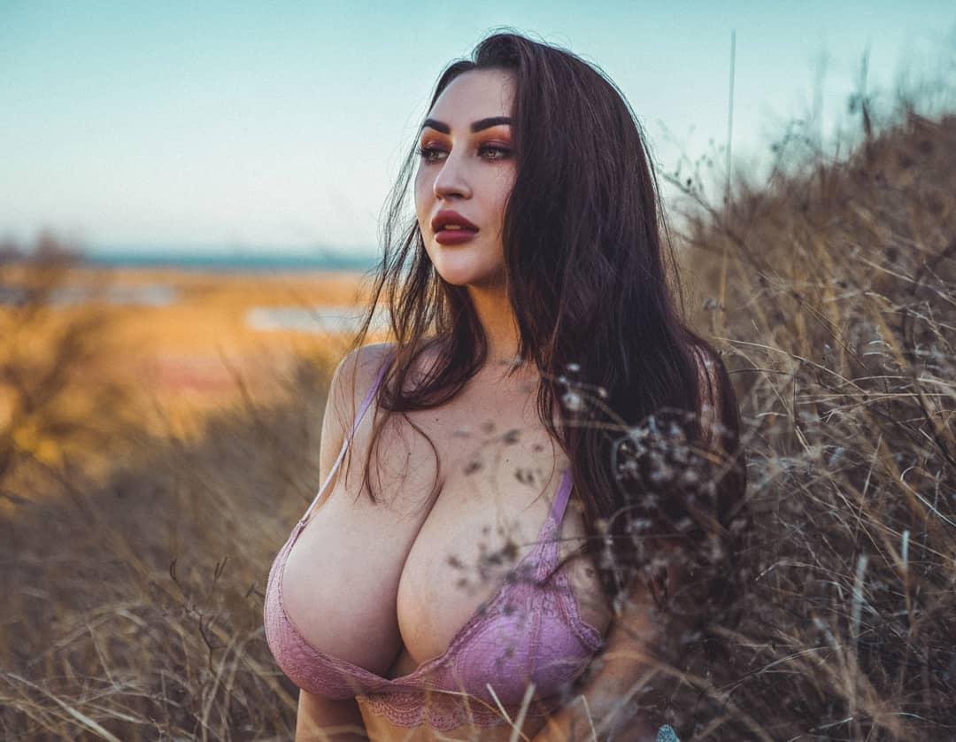 Louisa Khovanski Nude Onlyfans Leaked 0047