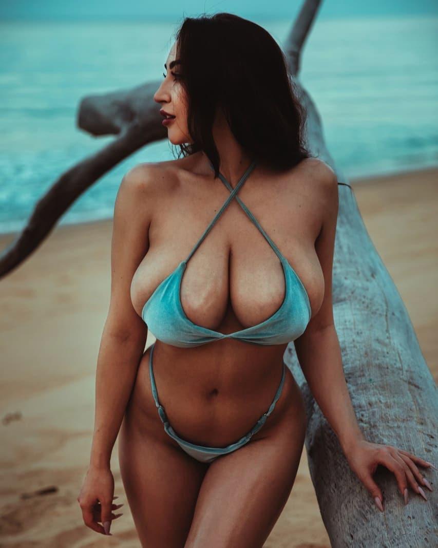 Louisa Khovanski Nude Onlyfans Leaked 0065