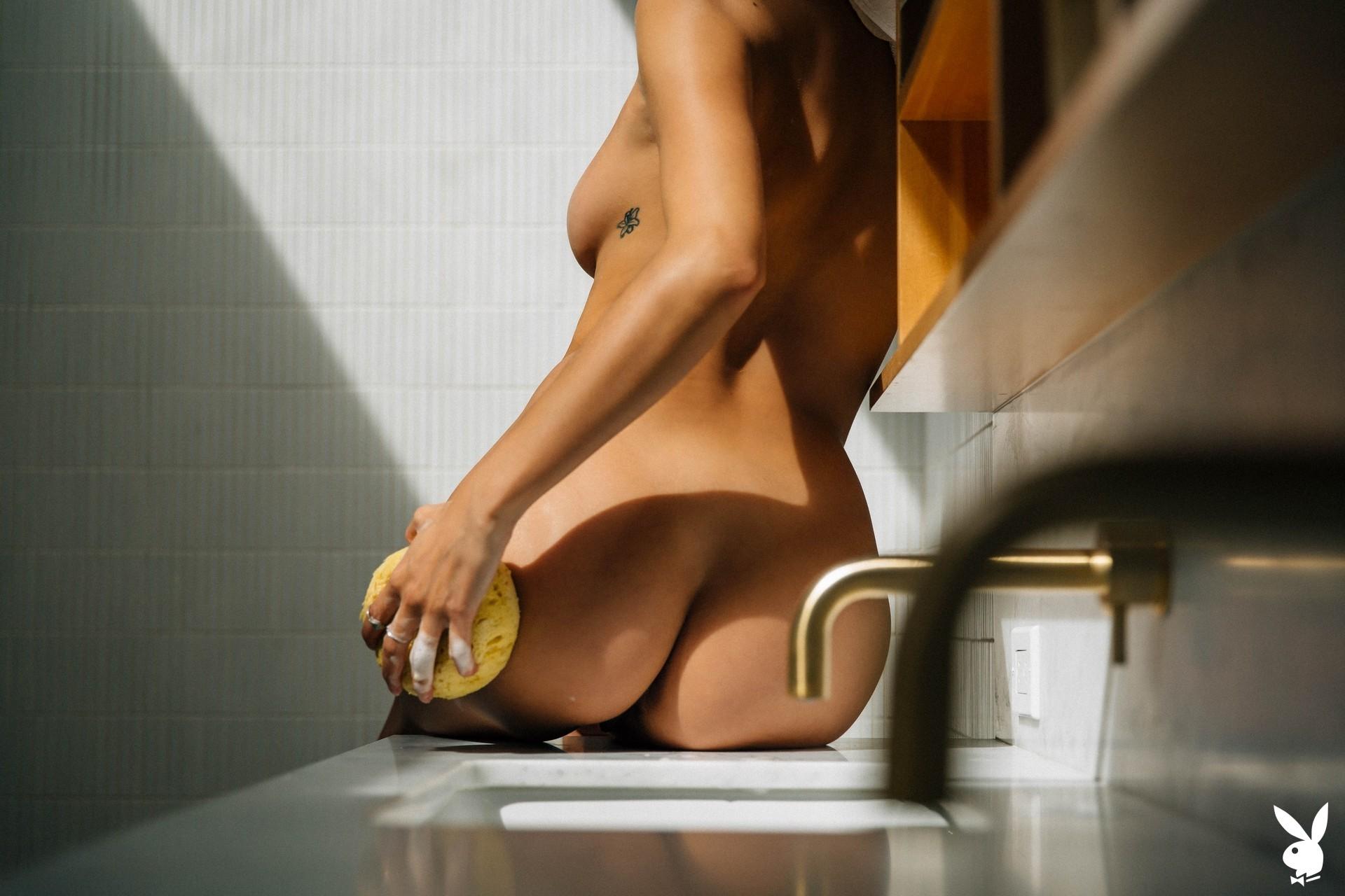 Dominique Lobito In En Suite Playboy Plus (16)