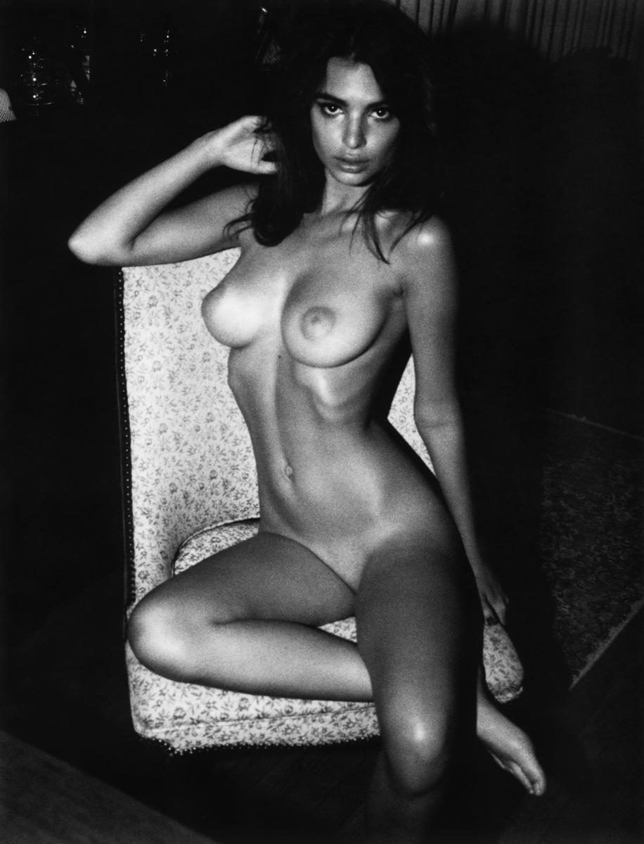 Emily Ratajkowski Nude Lounging Photoshoot Leaked Xypapw