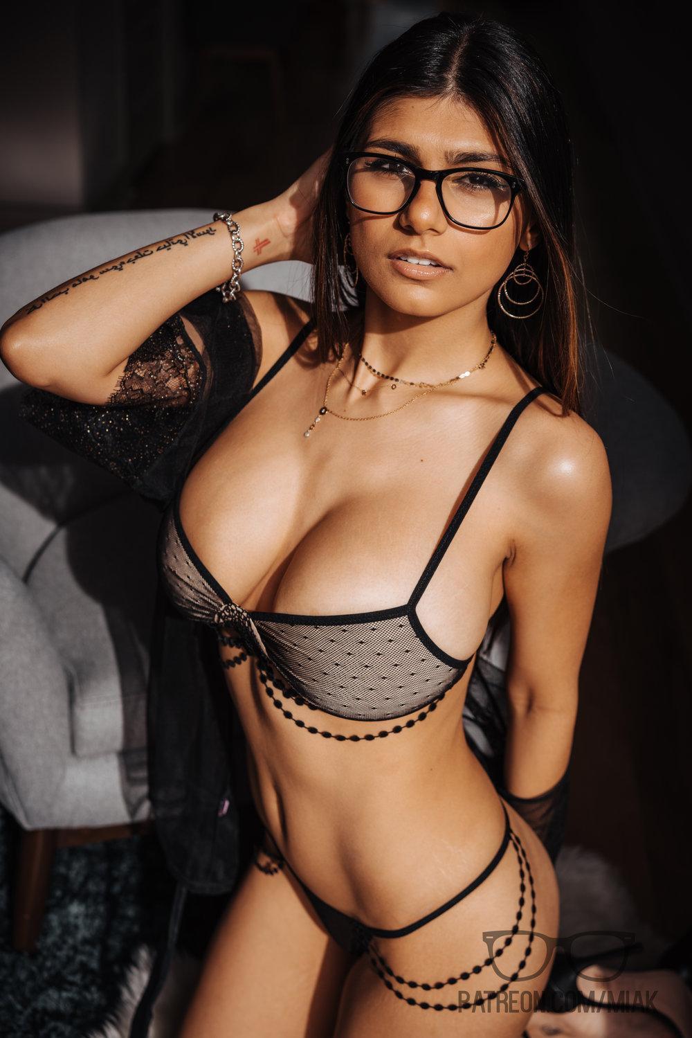 Mia Khalifa Lingerie Stiletto Heels Photoshoot Leaked 0009