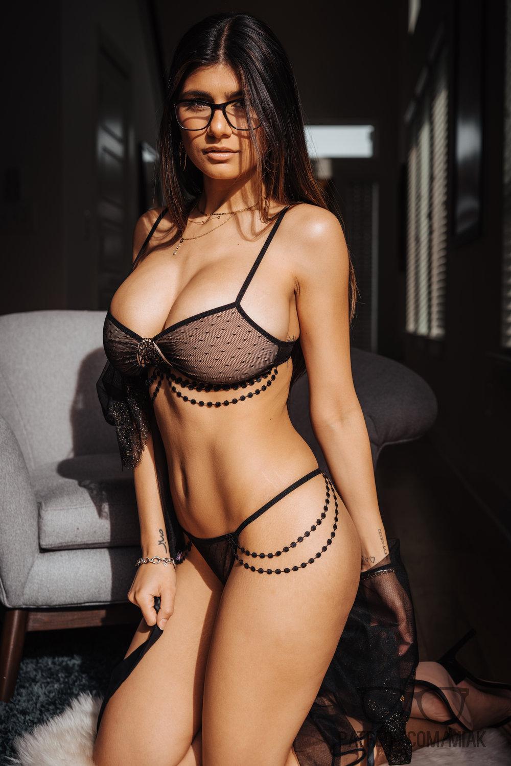 Mia Khalifa Lingerie Stiletto Heels Photoshoot Leaked 0011
