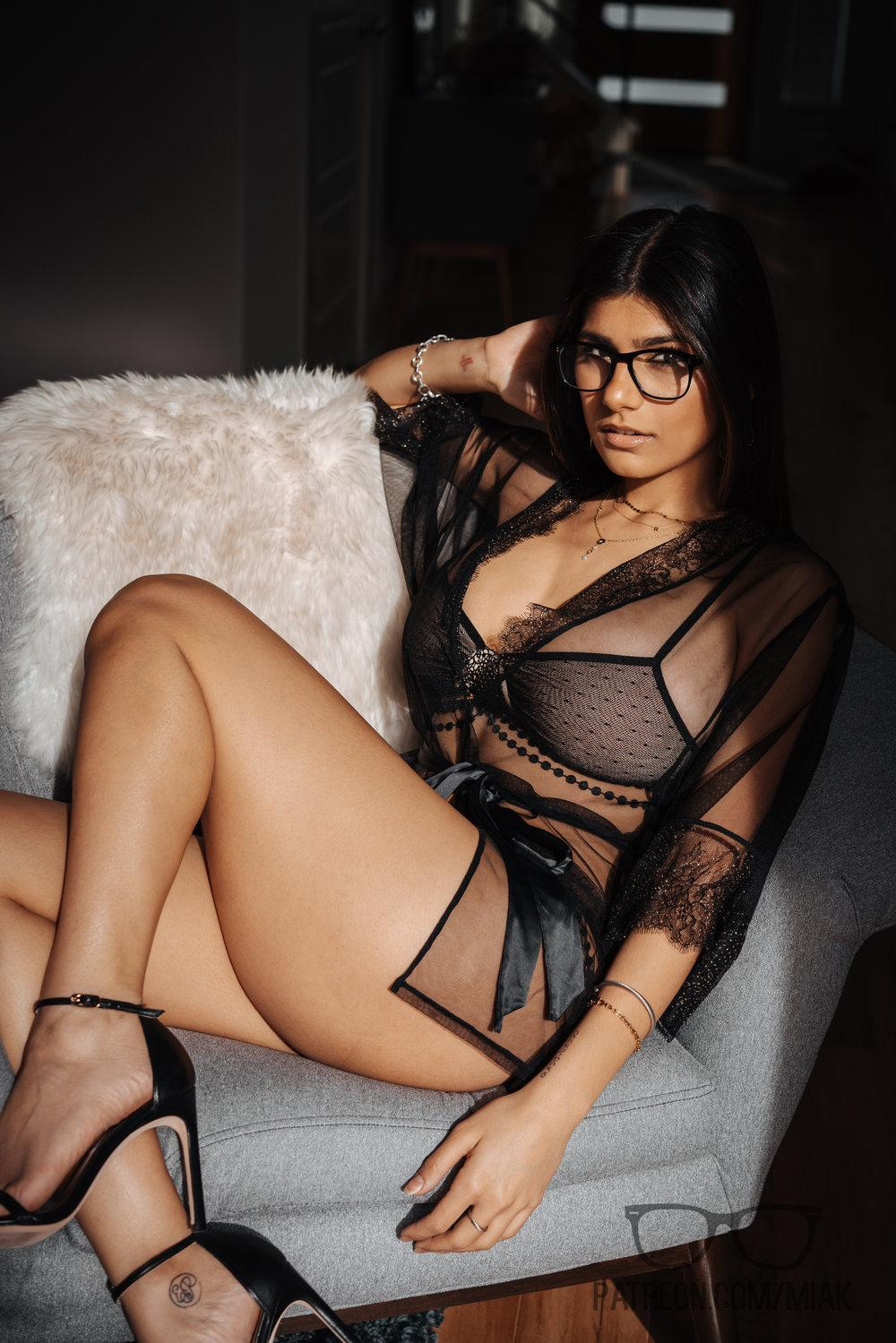 Mia Khalifa Lingerie Stiletto Heels Photoshoot Leaked 0013