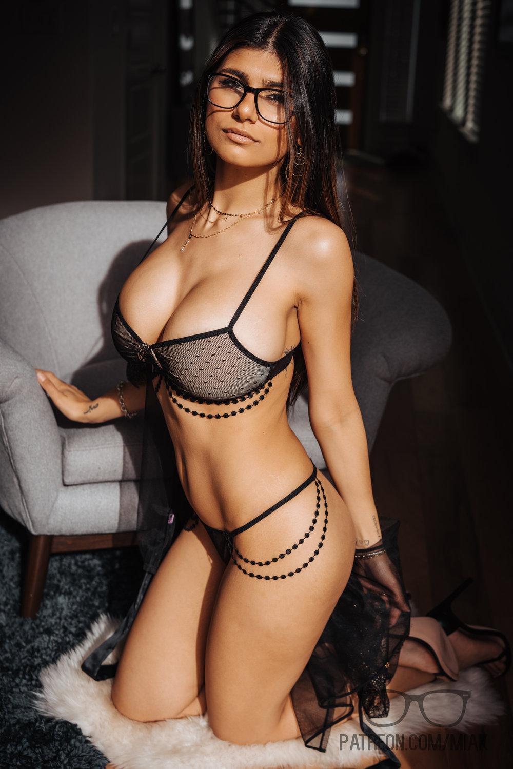 Mia Khalifa Lingerie Stiletto Heels Photoshoot Leaked 0014