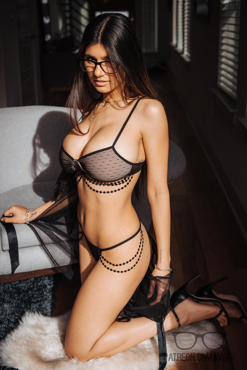 Mia Khalifa Lingerie Stiletto Heels Photoshoot Leaked 0016