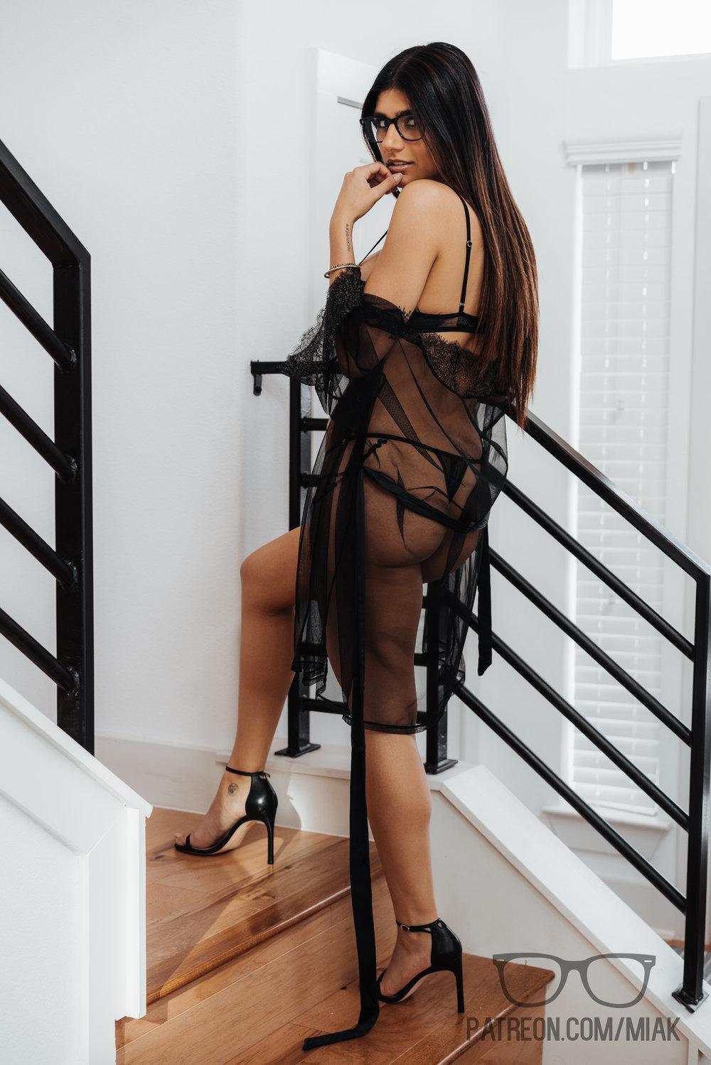 Mia Khalifa Lingerie Stiletto Heels Photoshoot Leaked 0022