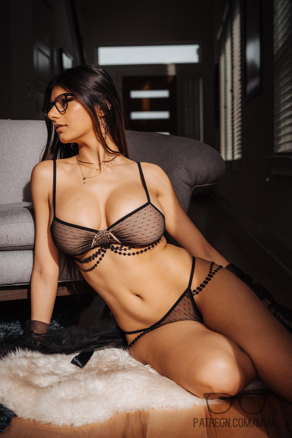 Mia Khalifa Lingerie Stiletto Heels Photoshoot Leaked 0024