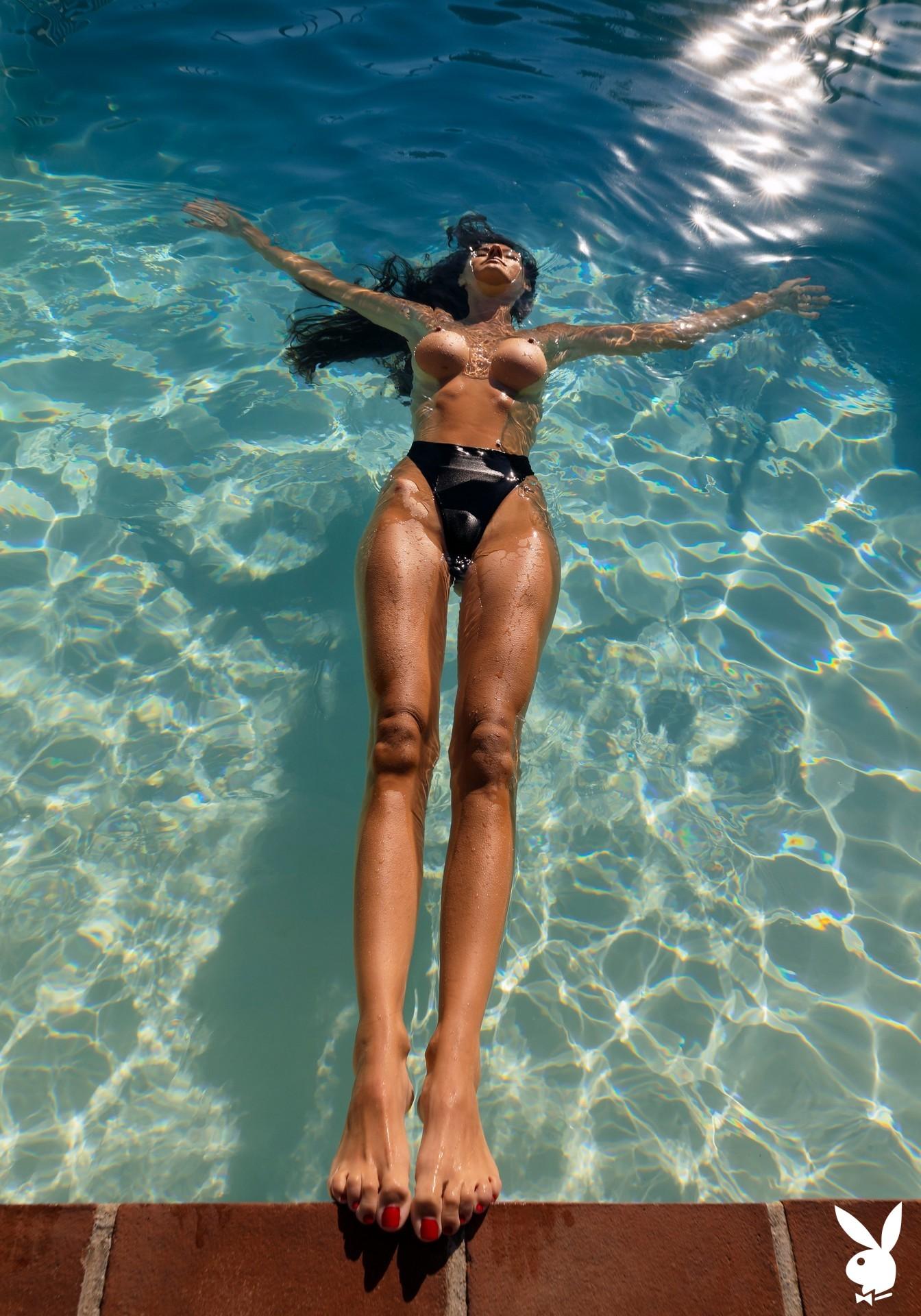 Zurine Aspiunza In Playboy International Playboy Plus (4)